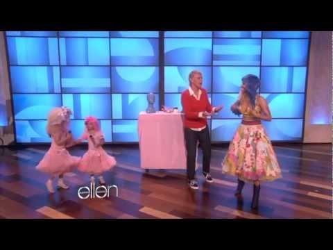 Nicki Minaj Sings -Super Bass- with Sophia Grace (Full Version)