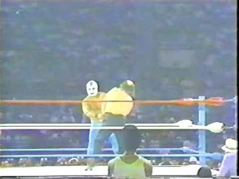 WWC: Invader #1 vs. Kendo Nagasaki