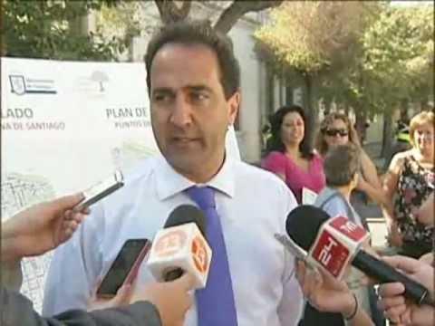 Municipio de Santiago inicia reforestación y cambio de árboles dañados - CANAL 13 2012