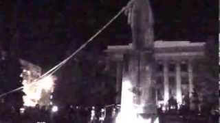 Попытка сбросить памятник Ленину в Житомире