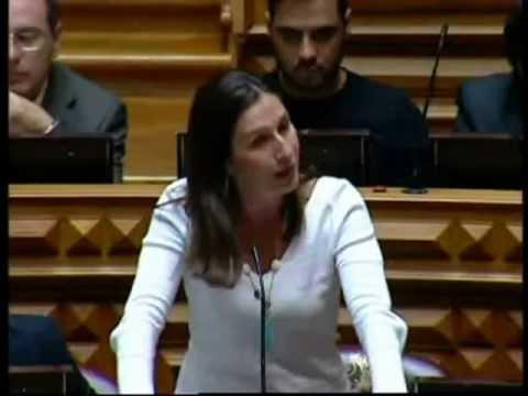 O PSD/CDS-PP abandonou a cassete da emigração e passou à da precariedade