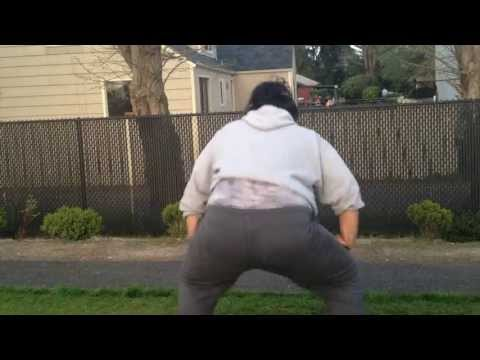 Samoan girl twerking