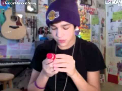 Austin Mahone USTREAM Friday February 17th 2012 Part 1 of 3 [12PM]