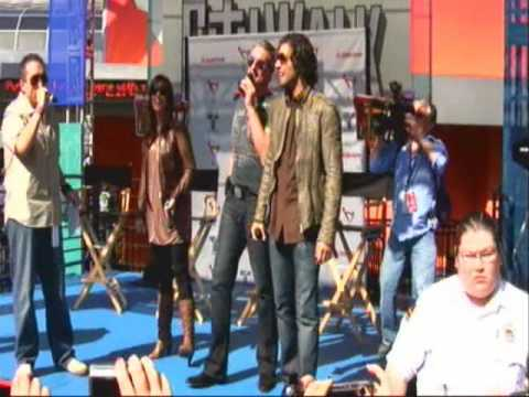 Jencarlos Canela, Gaby Espino y Miguel Varoni en Univerdal City Walk Part 1 - Hollywood CA