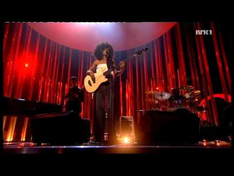 Esperanza Spalding - I know You know (Live) - Nobel concert