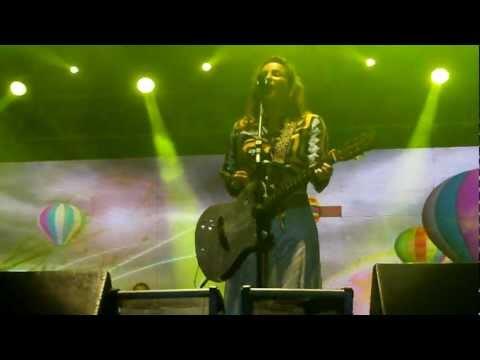 Colorir Papel - Claudia Leitte ( Timbauba - maio/2012 )