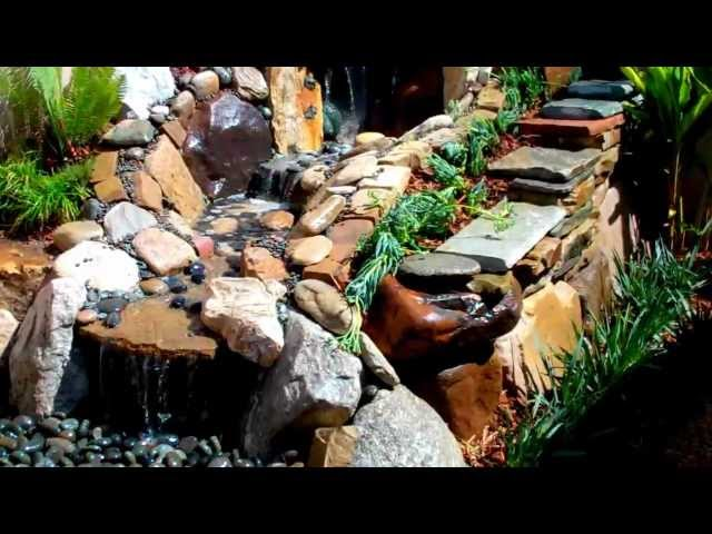 Landscape Design  Manhattan Beach - Stunning Small Back Yard