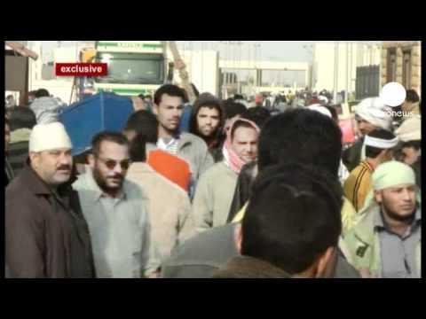 Fuga massiva de emigrantes para países vizinhos da Líbia