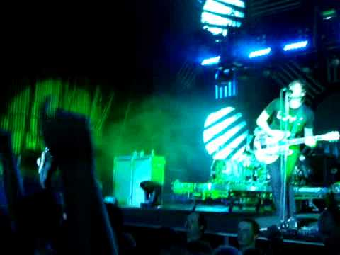 Blink 182 - Carousel/Dammit (Live)
