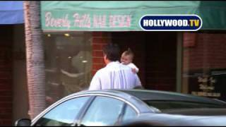 chanel-: Daniel Baldwin and baby in Beverly Hills