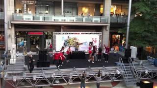 DJs de Sono-Pro en el centro comercia LaMaquinista