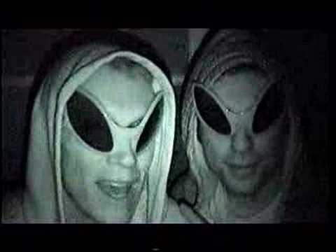 【youtube動画No.12】Roommate Alien Prank Goes Bad