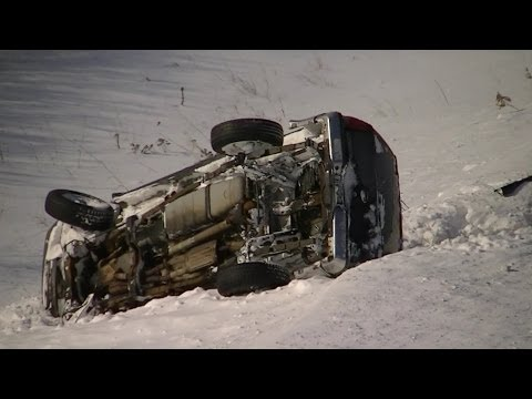 Black Ice, Road Crash, B-rolls, Spin-outs Footage Snow Storm Minnesota 2014