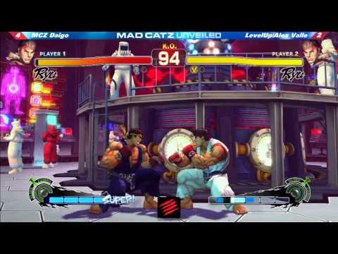 MADCATZ Unveiled - MCZ Daigo Umehara vs LevelUp Alex Valle FT5 SSF4AE