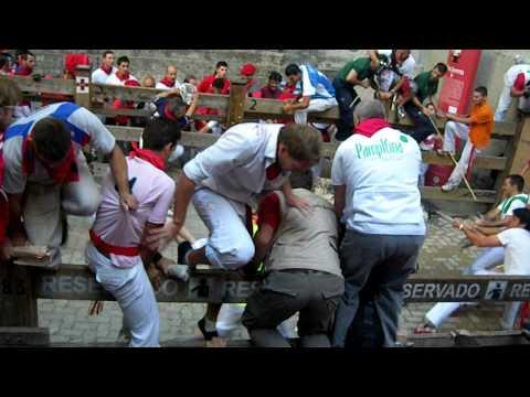 """SAN FERMÍN 2009 - 6º ENCIERRO  - """"Agonía en el callejón"""""""