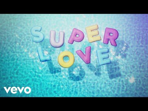 Superlove (Video Lirik)