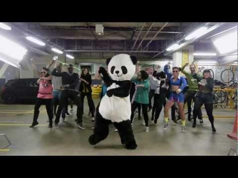Gangnam Style Panda - PSY Gangnam Parody