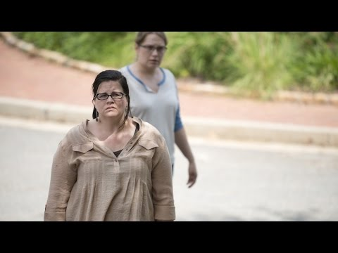 The Walking Dead - Has Alexandria Reached Its Breaking Point? - IGN Conversation - UCKy1dAqELo0zrOtPkf0eTMw