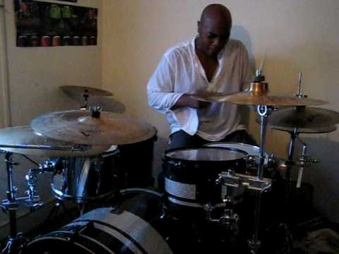 Drum Solo/ Hip Hop Beats/ Independent Drumming/ DJ Pherensik & Guillermo (Drummer)