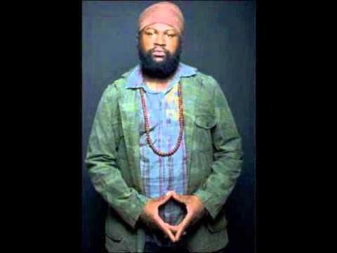 Fantan Mojah -  Jah Alone ( Mackavelli Riddim 2011)