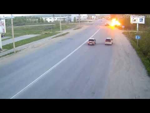 بالفيديو..امرأة مخمورة تتسبب في حادث اصطدام وانفجار بحافلة ركاب