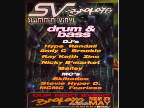 Randall with Stevie Hyper D, Skiba & Fearless @ Slammin Vinyl 1998 (Part 1 of 4)