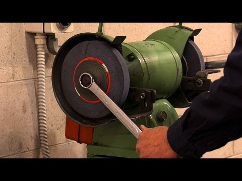 Off-Hand Grinding and Safety Video - Accident Prevention Safetycare