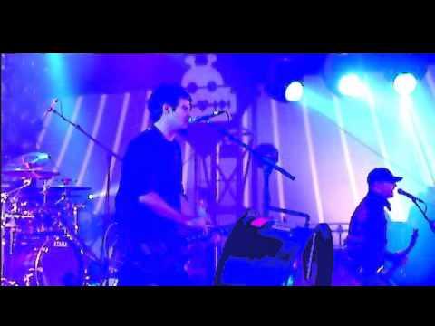 Pendulum - The Island (Dawn & Dusk) (Live at Lowlands 08-22-10) HQ