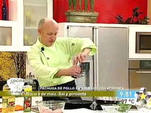 Chef franz cocina pollo en salsa de champiñones