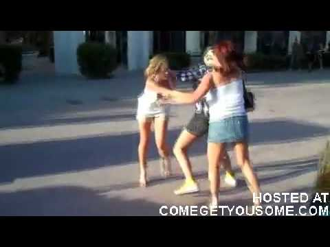 GIRL FIGHT!!!Wigs, boobs, and yellow shoes  ComeGetYouSome.com.flv