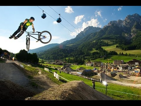 Ride Your Way - Szymon Godziek MTB DIRT SKATEPARK