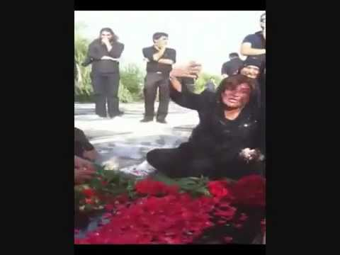Iran Behesht-e Zahra 20 June 2011 - Mother of Neda Agha Soltan at her grave