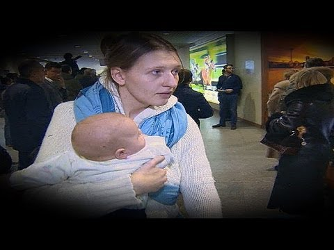 Russians flee Syria return home