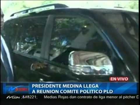 El presidente Danilo Medina y el expresidente Leonel Fernández a su llegada a la reunión del Comité Político.
