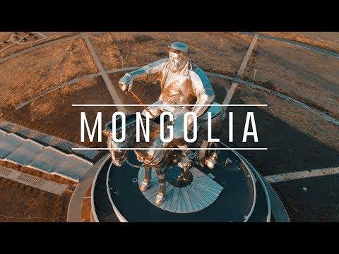 Найруулагч Майкл Робертс Монголын тухай баримтат кино хийжээ