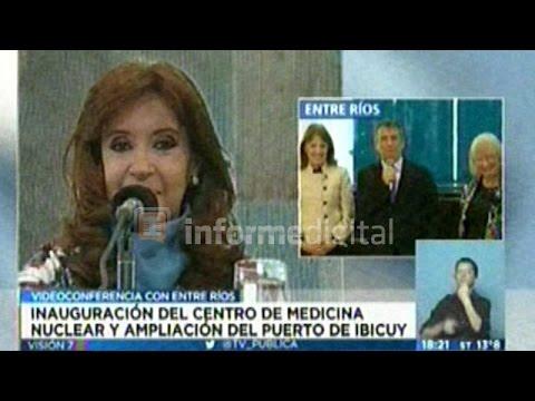 <b>Videoconferencia. </b>CFK y Urribarri inauguraron el Centro de Medicina Nuclaer
