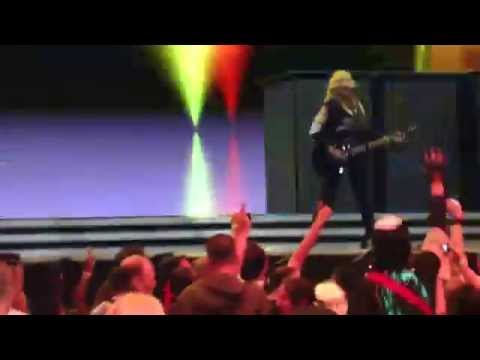Madonna - Fun Talk & Turn Up The Radio & Open Your Heart (MDNA Soundcheck, Amsterdam 7-7-2012)