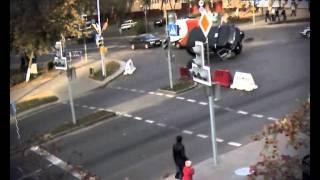 В интернете появилось видео ДТП с белорусским милиционером