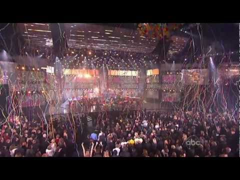 Pink - Raise Your Glass (2010 MTV American Music Awards)