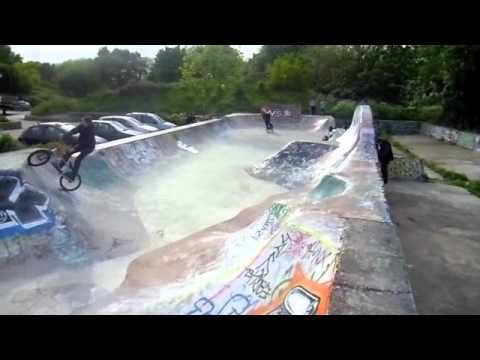 MARKSFIELD PARK SKATE SPOT. TOTTENHAM, LONDON UK