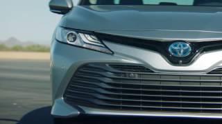 Toyota Camry сменила поколение