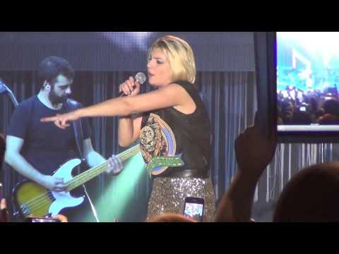Emma - Cercavo amore (Live @ Palapartenope - Napoli) FULL HD - 22/11/2012
