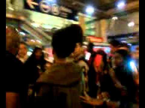 Rihanna a Paris (Gare du Nord le 01/09/2012)