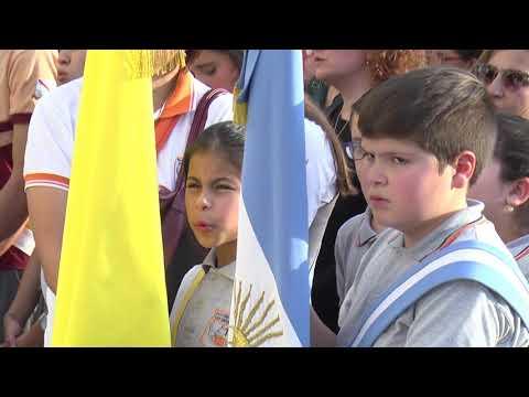 Con gran presencia de jóvenes, la feligresía de Paraná celebró el Corpus Christi