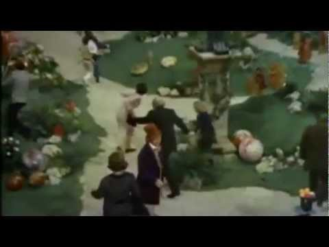 Willy Wonka and the Chocolate Factory (1971) Trailer -k1QarcxoijI