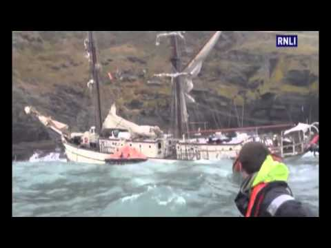 Teen Sailors Rescued As Tall Ship Sinks