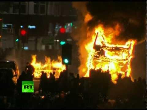 London on Fire: Video of Tottenham anti-police riots, bus blaze