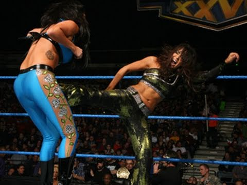 WWE SmackDown: Rosa Mendes vs. Layla