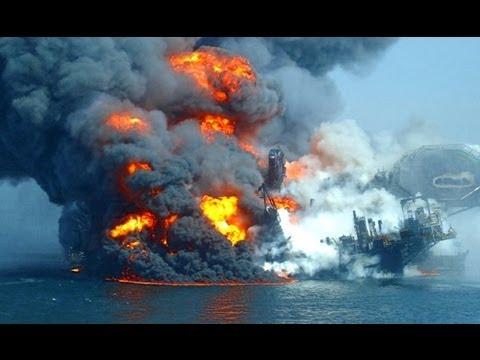 Horrible boat crashes