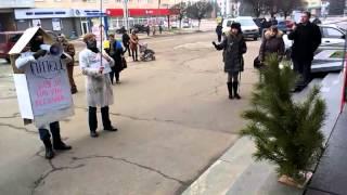 В Партию регионов в Житомире пришел Пипец с чаем, «йолкой» и сухарями